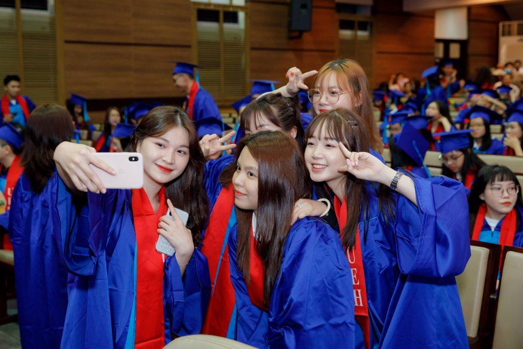 Niềm vui tốt nghiệp